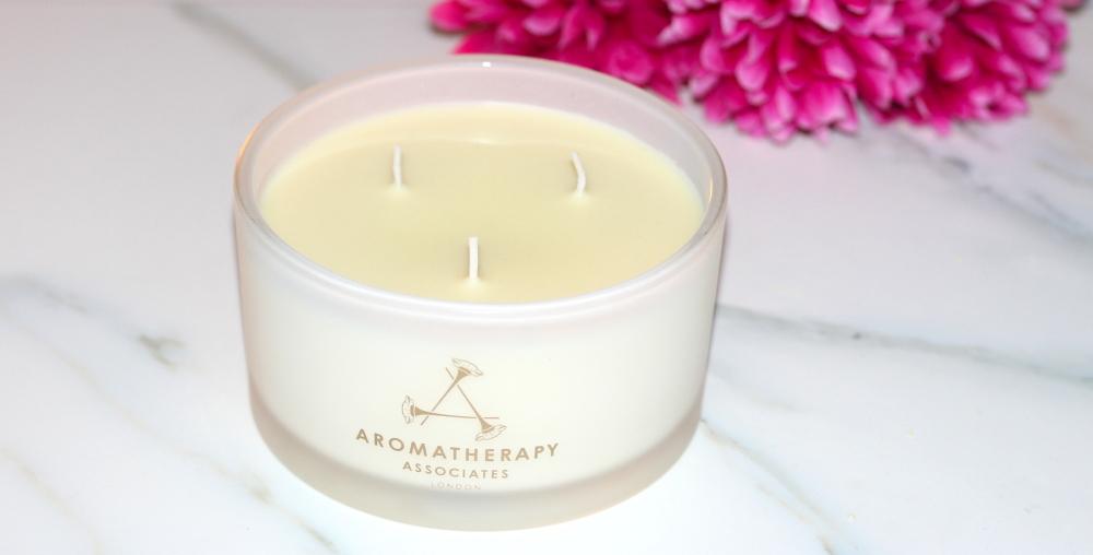 aromatherapy associates candle winter fashion blogger