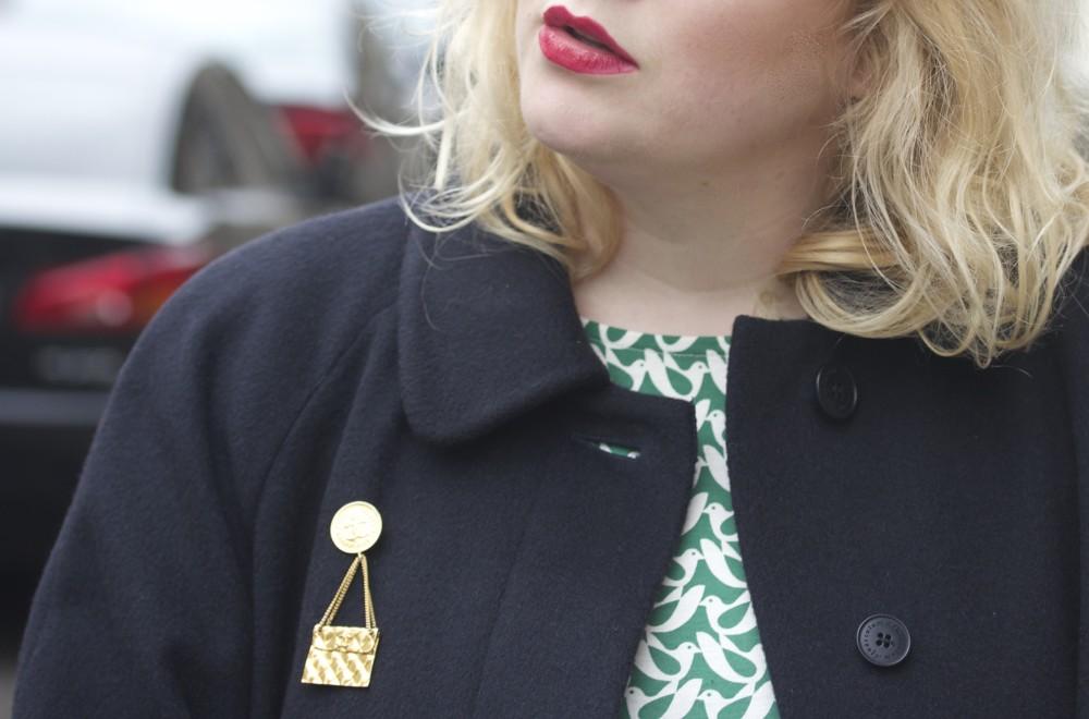 streethub chanel brooch handbag and coin brooch