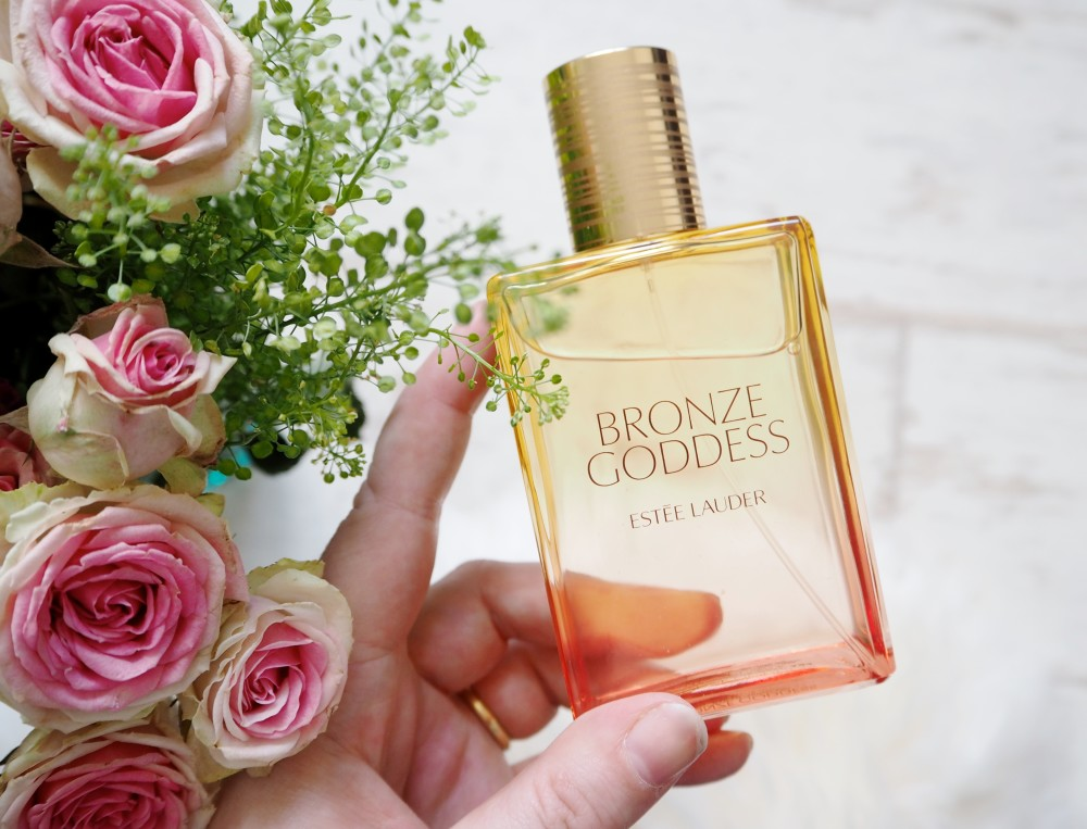 perfume est e lauder 39 bronze goddess 39 fashion for lunch. Black Bedroom Furniture Sets. Home Design Ideas