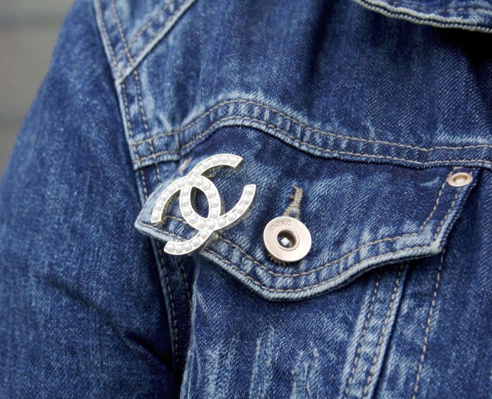 chanel brooch pearl classic authentic