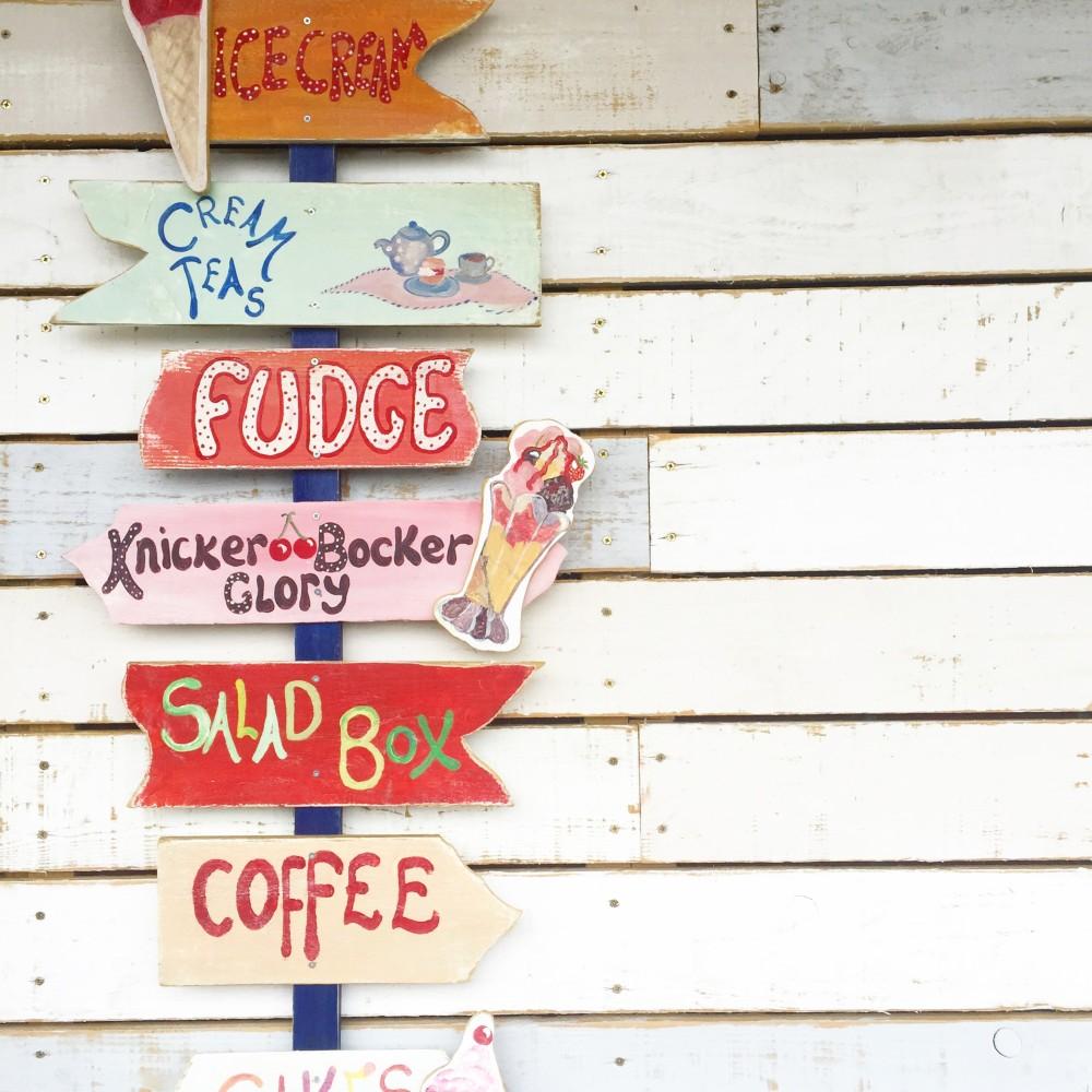 ice cream store sign shop