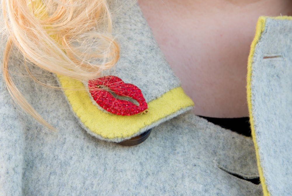 butler and wilson heart lips brooch red