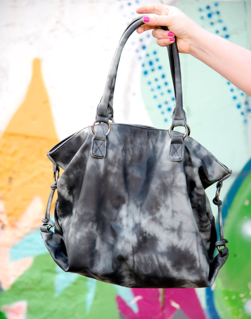 next everyday tote bag black tie dye