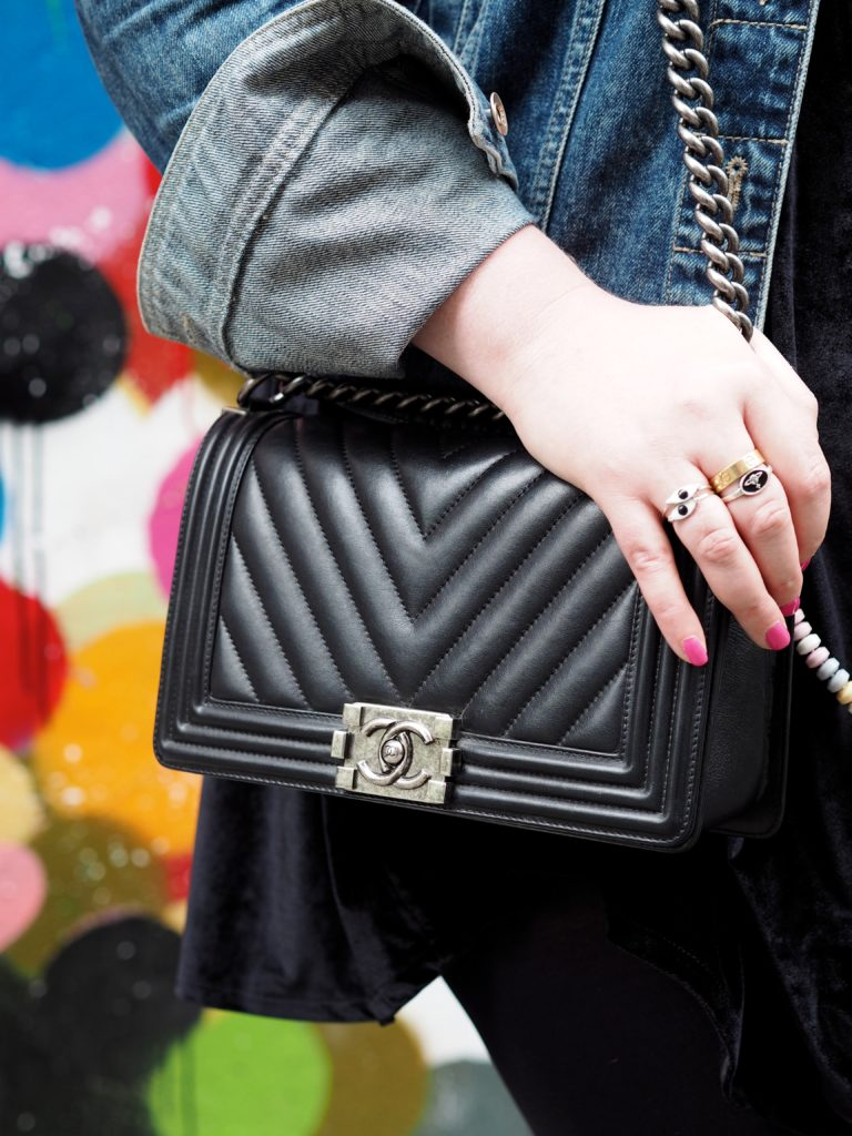 chanel-boy-bag-new-york-cheveron-quailt-street-style