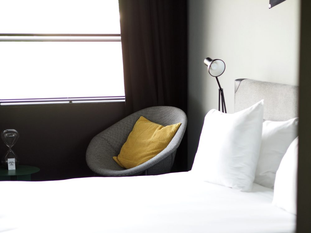 The-Student-Hotel-Amsterdam-bed
