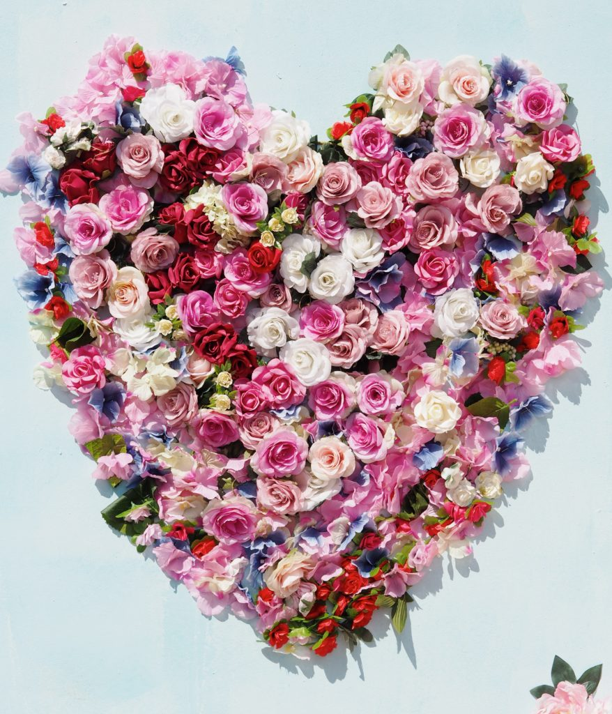 heart-made-of-flowers-wall