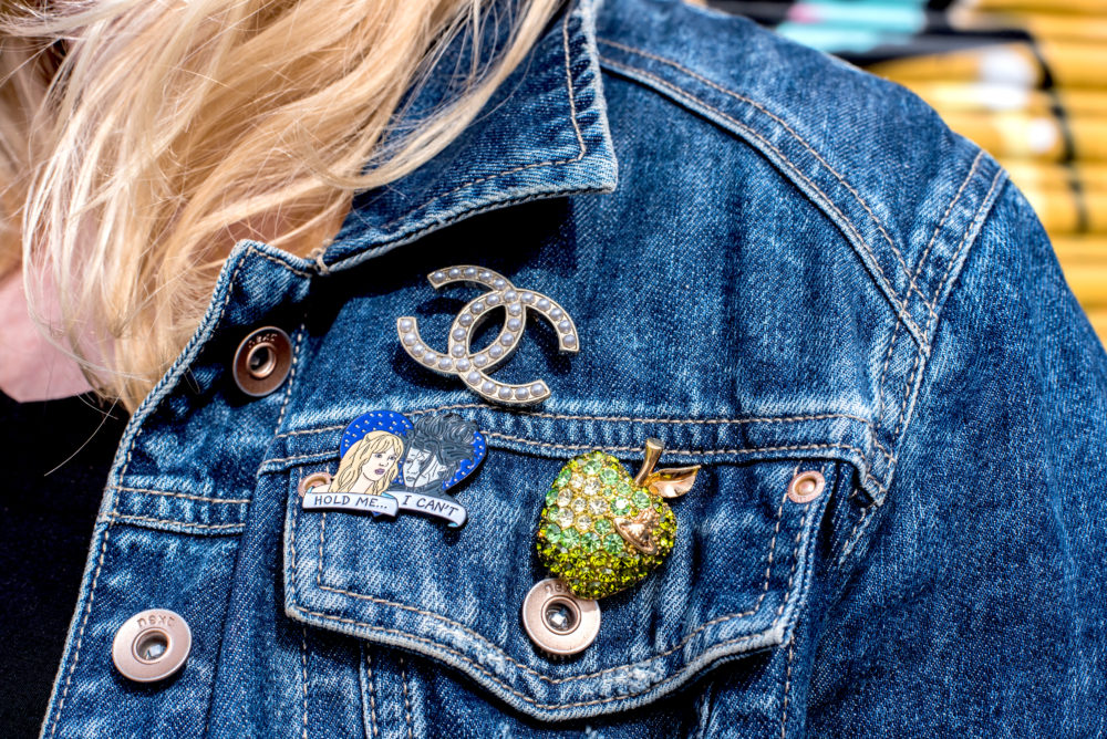 pin badges brooches trend