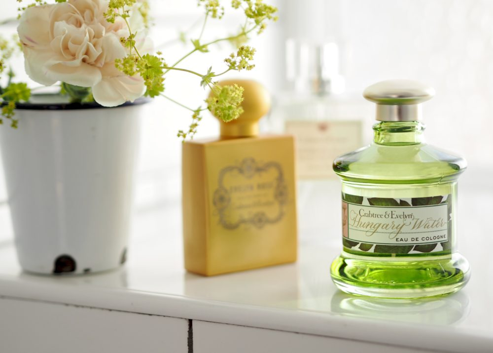 fragrance my three favourite crabtree evelyn perfumes fashion for lunch. Black Bedroom Furniture Sets. Home Design Ideas