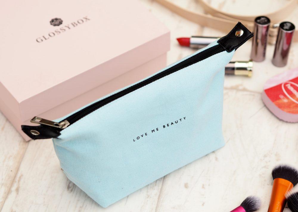 love-me-beauty-bags