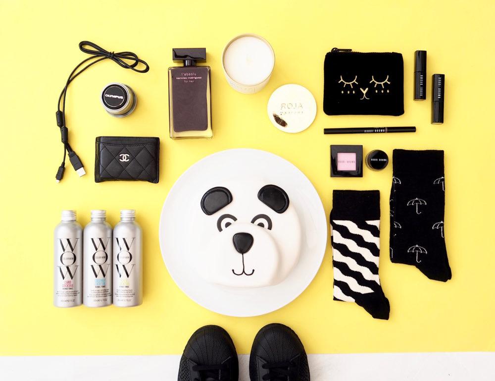 sunday-flatlay-photography-fun-panda-cake
