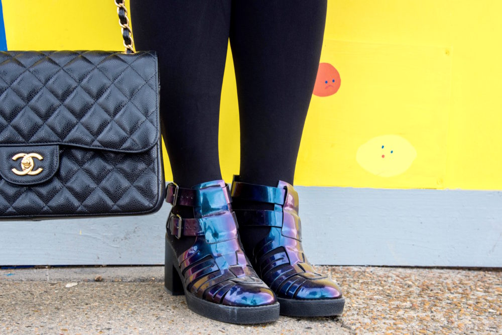 black-chanel-handbag-jumbo-gold-hardwear-fashion-blogger