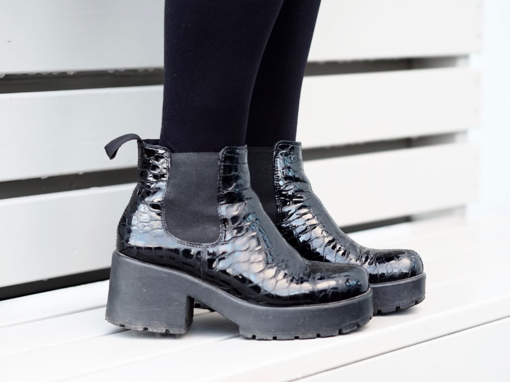 vagabond-boots-black-mock-croc