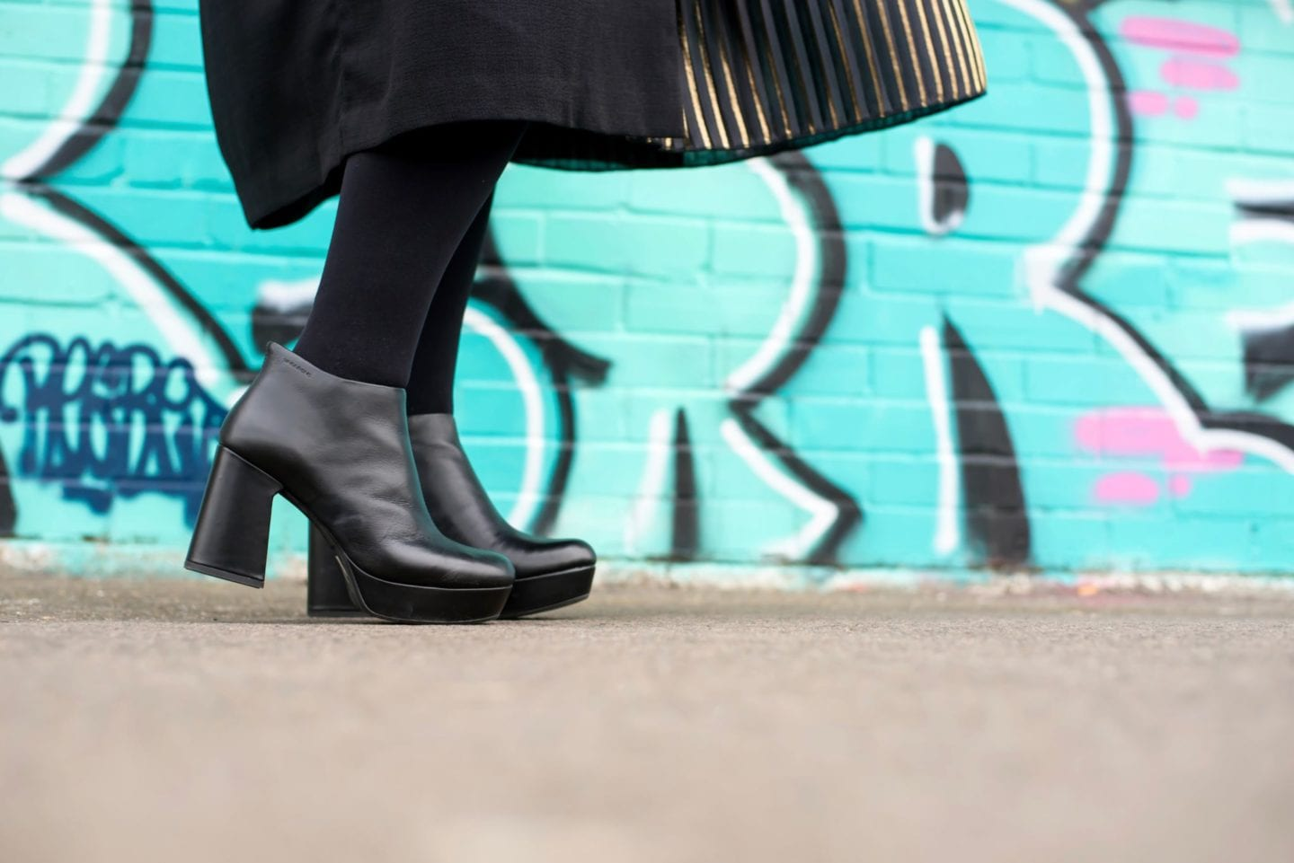 black leather vagabond boots platforms