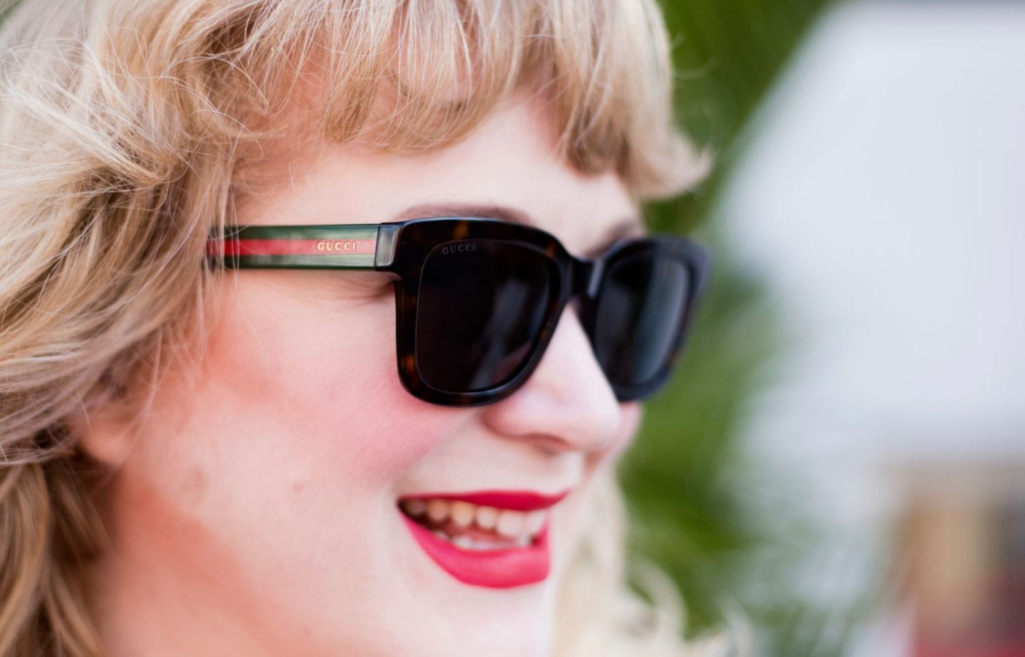gucci sunglasses red and green classic shape