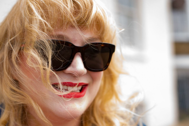 gucci sunglasses red hot