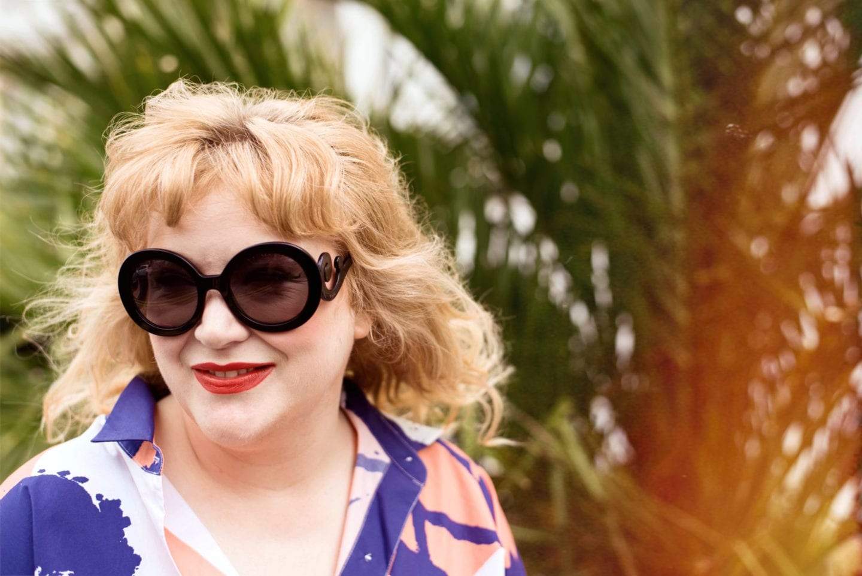 prada sunglasses black very exclusive