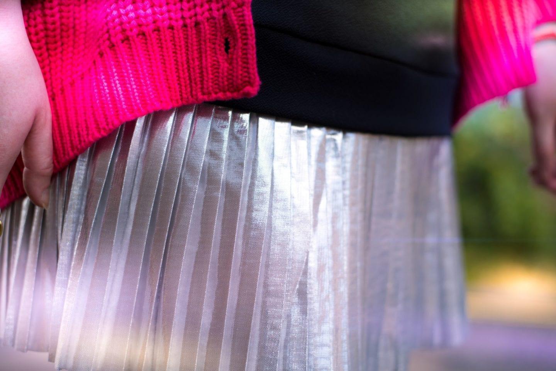 asos silver pleated skirt metallic ootd fashion blog post