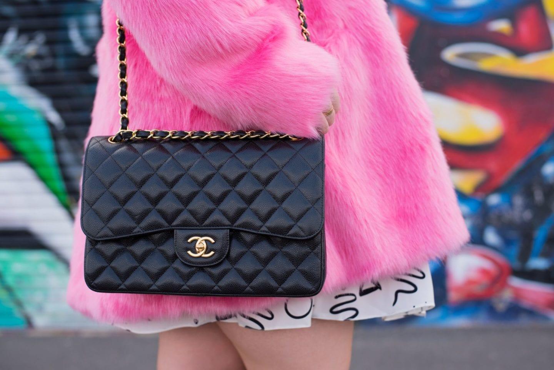 black chanel handbag caviar leather