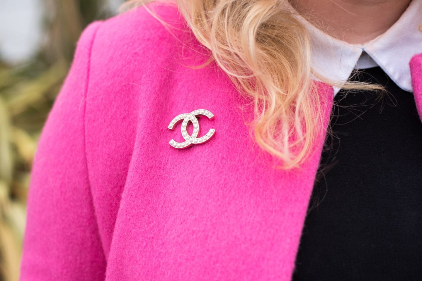 fashion blogger pearl brooch