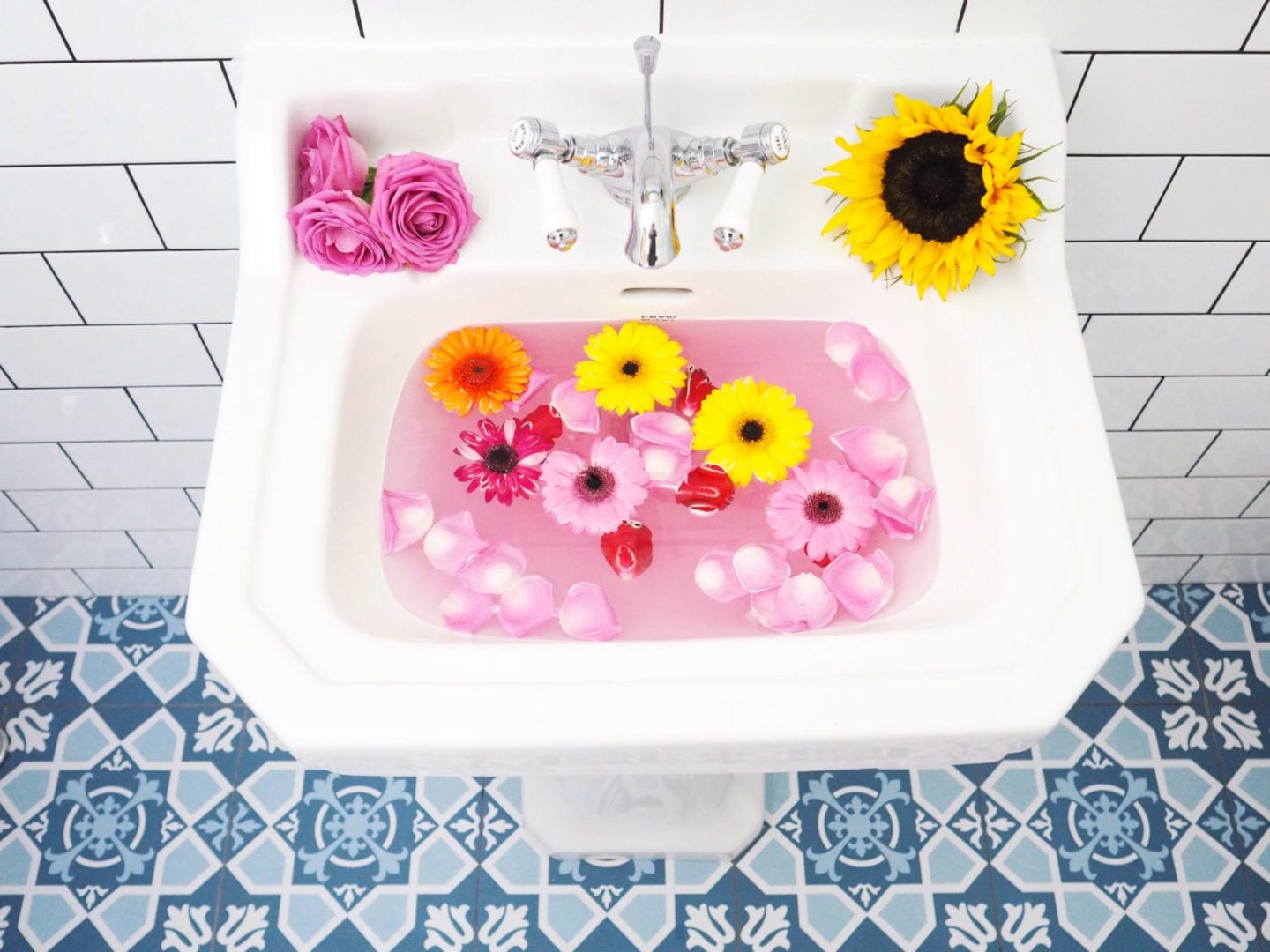 flowers-in-a-sink-
