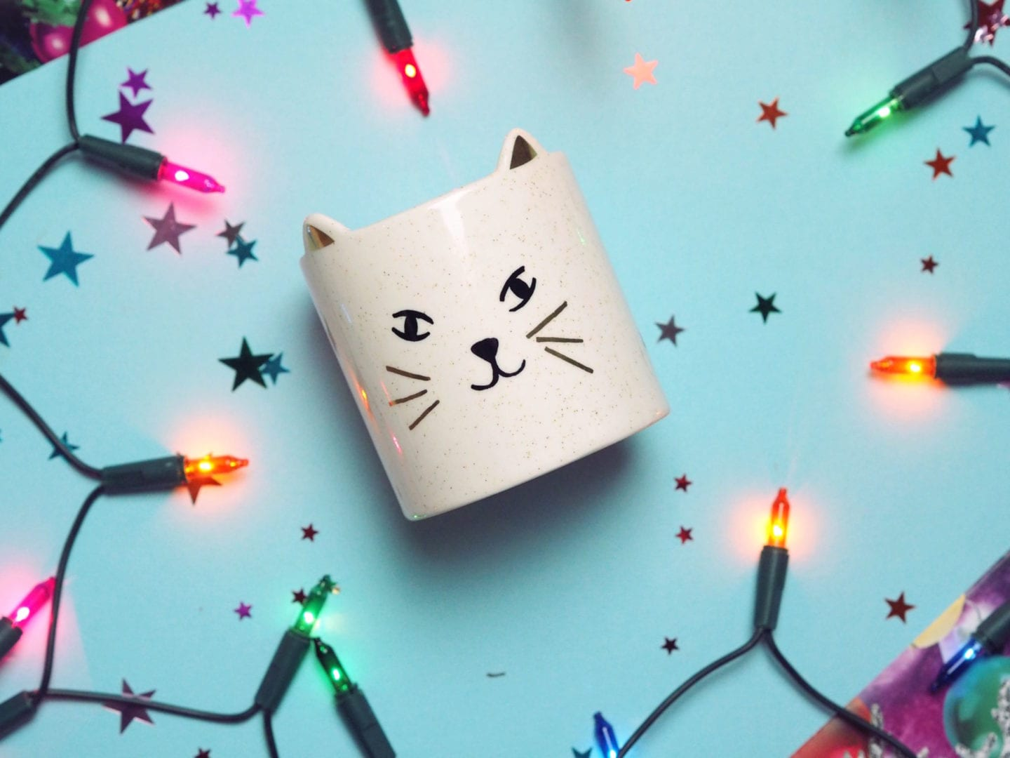 Oliver Bonas Lily & Wild Moss Cat-shaped Candle