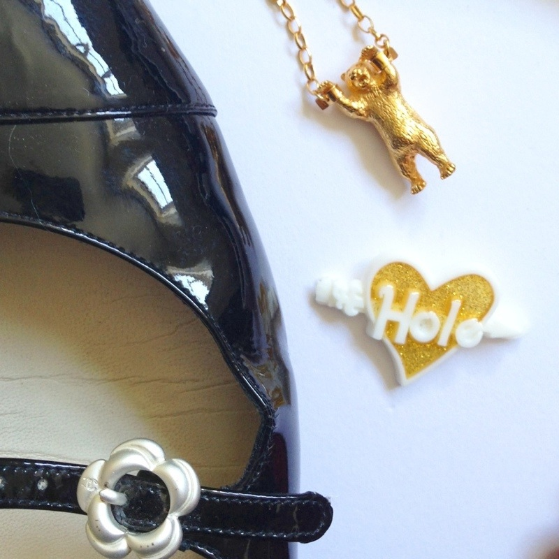 momocreatura necklace - bear in handcuffs - hole barette - courtney love
