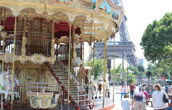 merry go round at the eiffel tower