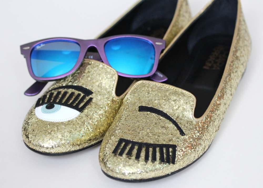 the blonde salad shoes blinking chiara ferragmi eye shoes ray ban sunglasses glasses mirror lenses fashion blogger flatlay