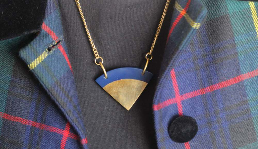 oliver bonas necklace shape geometric blue circle fashion blog fashion blogger uk england london best blogs top blogs to follow cool hipster street style