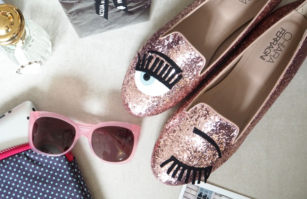 New Shoes: Chiara Ferragni blinking