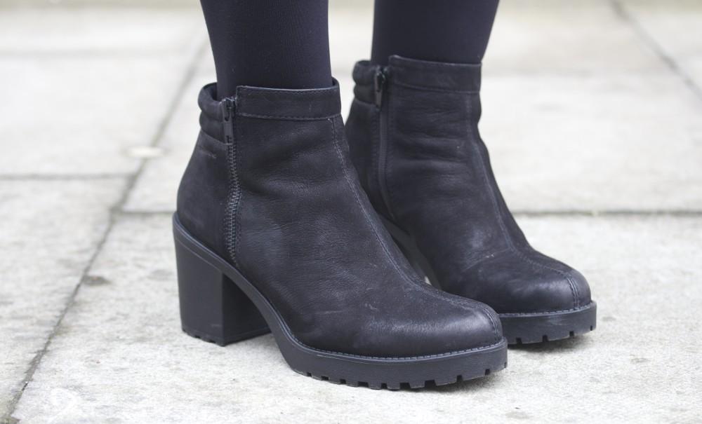 east london fashion blogger moschino handbag vagabond boots black nubuck office shoes carnaby challenge