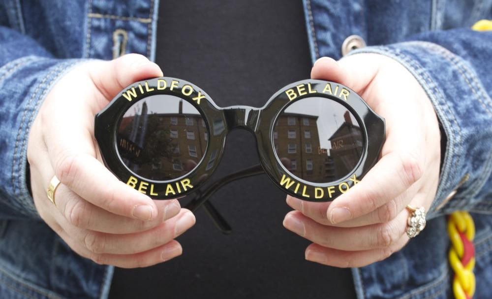 wildfox bel air belair sunglasses in black round shaped