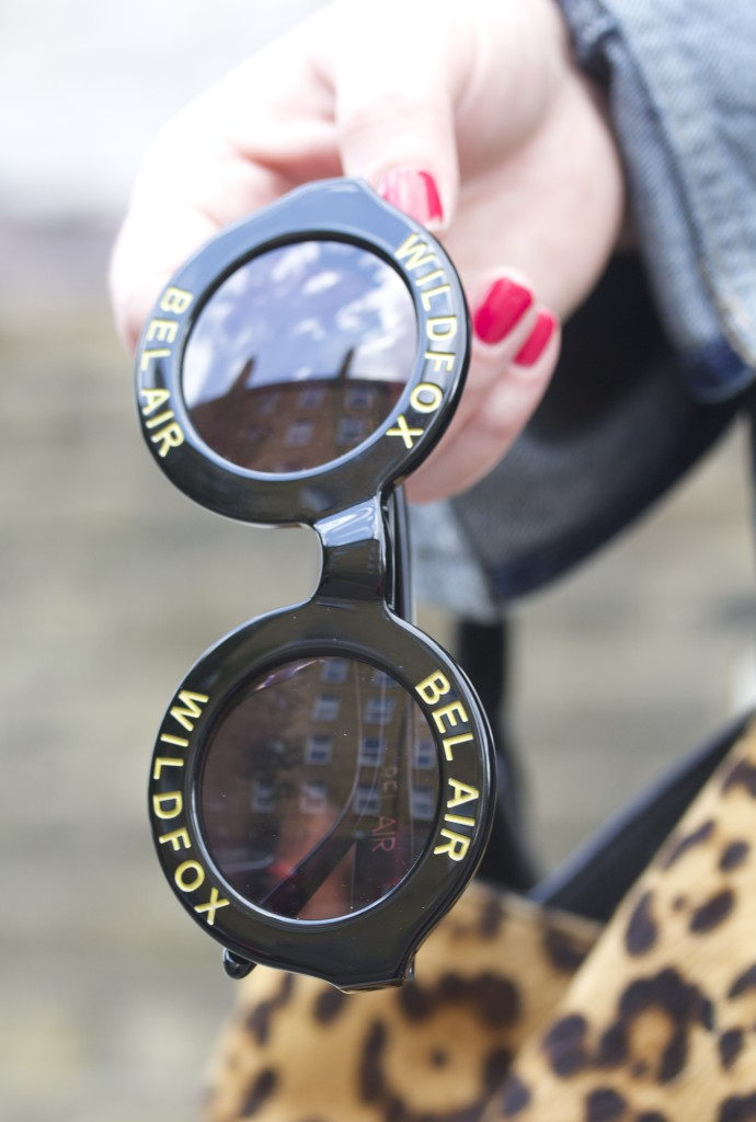 wildfox bel air sunglasses gold and black navy