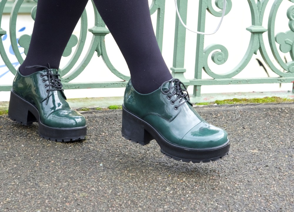 vagabond shoes green pvc heels