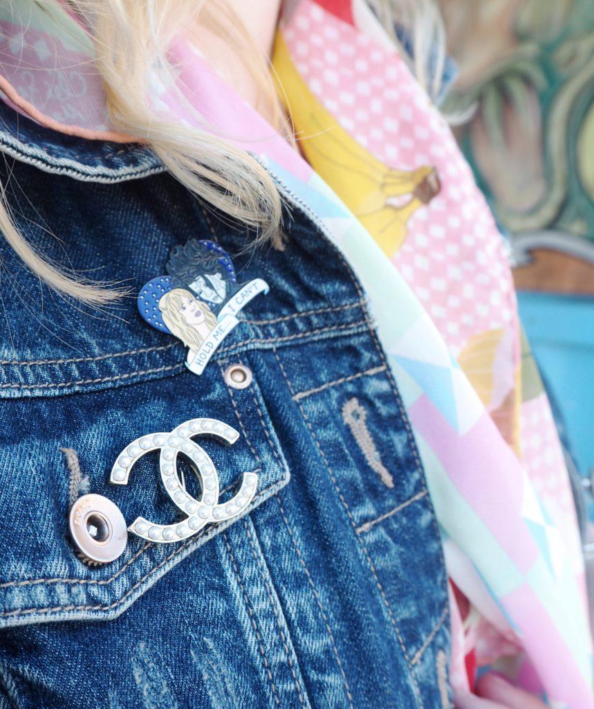 chanel-pearl-pin-brooch-classic-fashion-blogger