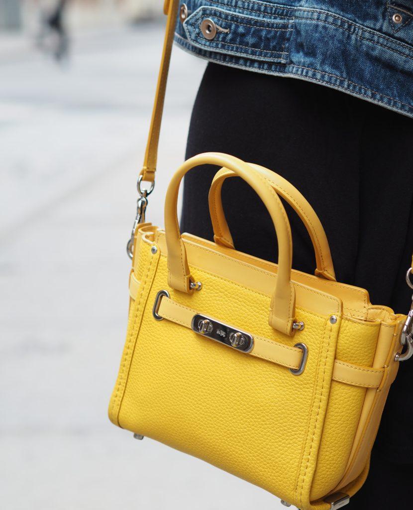 coach-mini-swagger-handbag-yellow-bag-tote-fashion-blogger
