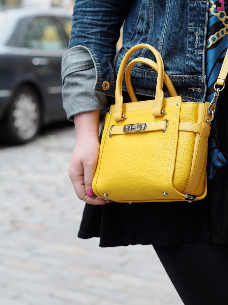 coach-mini-swagger-handbag-yellow-bag-tote-fashion-new-york-nyc