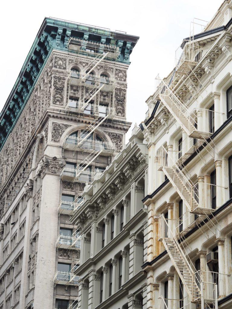 new-york-nyc-buildings-fashion-blogger