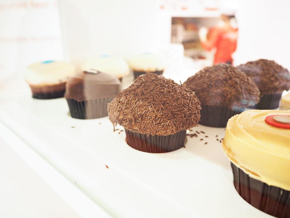 cupcake ATM sprinkles new york atm cupcake