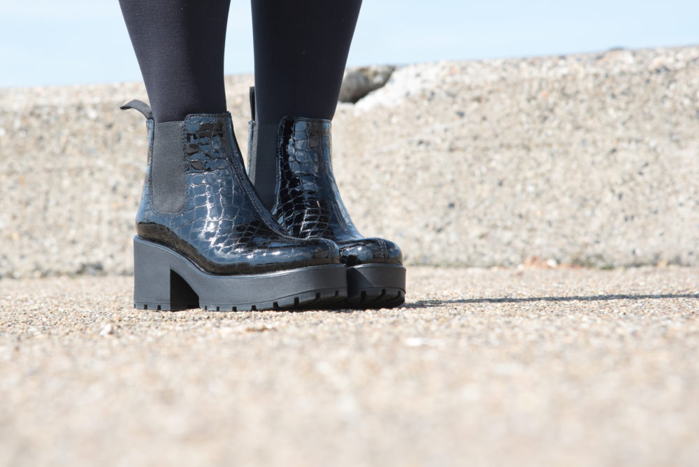 vagabond boots black snakeskin chelsea boots