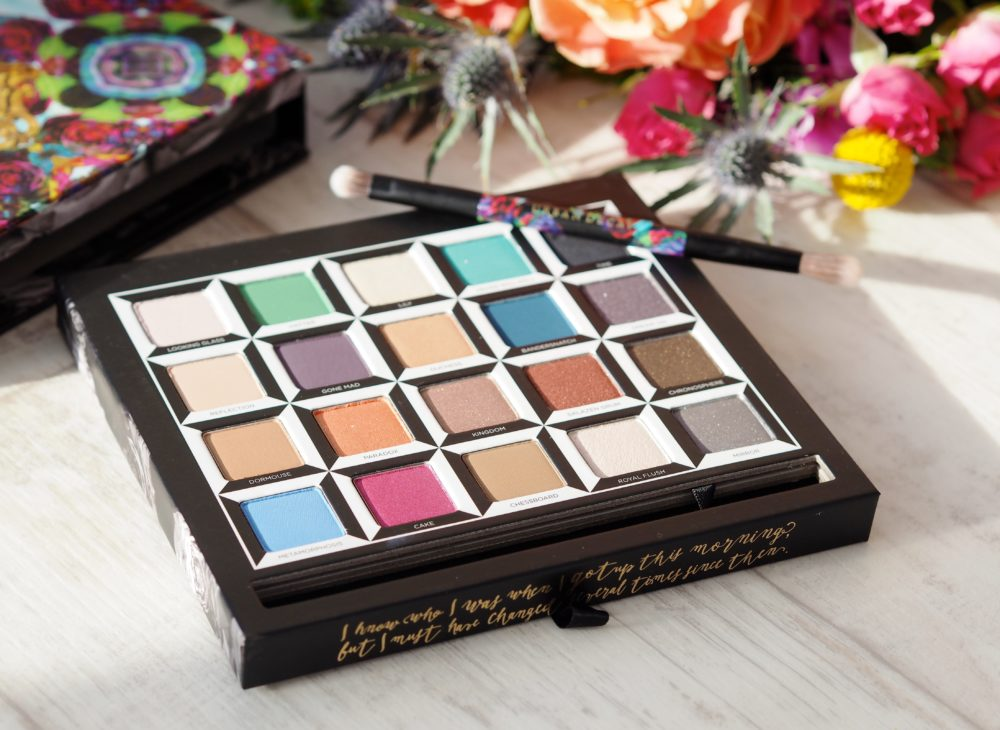 Urban-Decay-X-Alice-Through-The-Looking-Glass-Make-up-Collection-eyeshadows