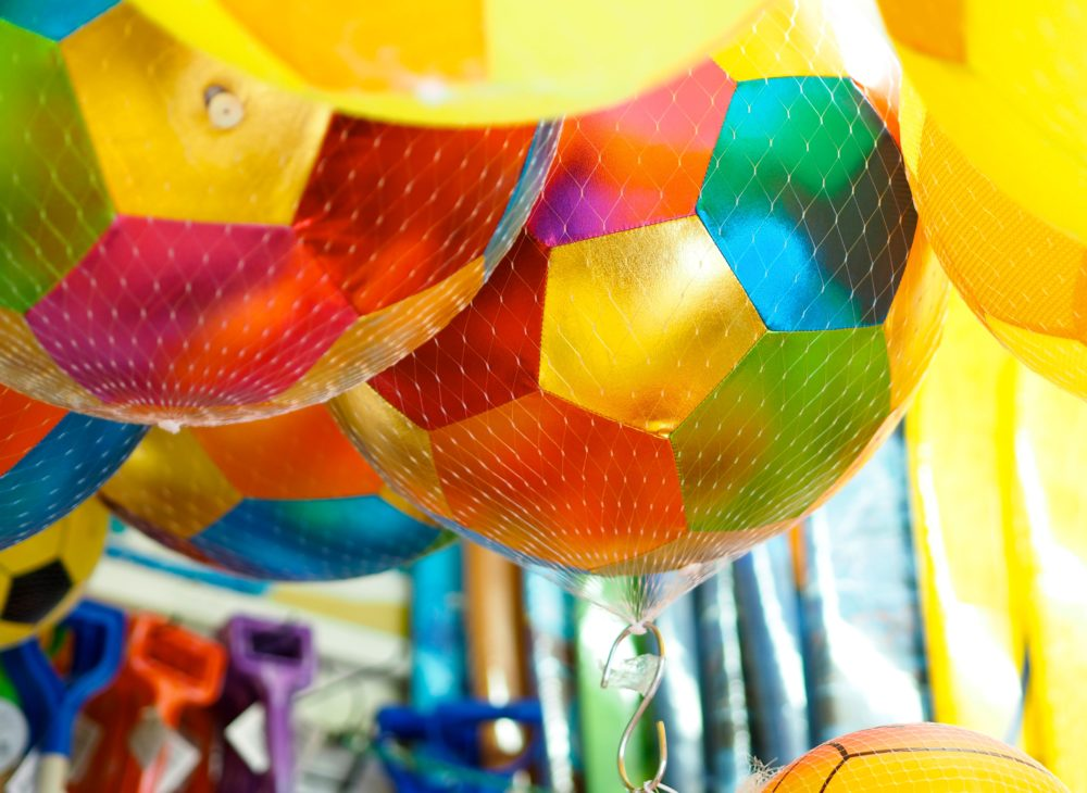 beach-balls-and-balloons