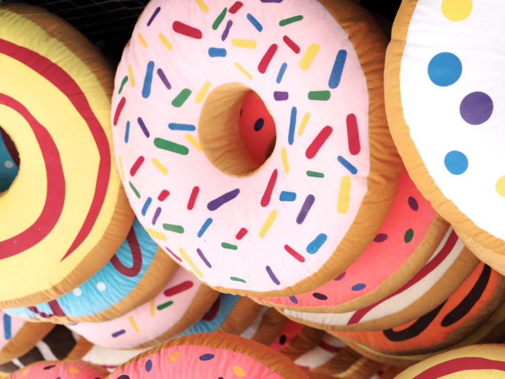 dreamland-margate-giant-doughnuts-cushions