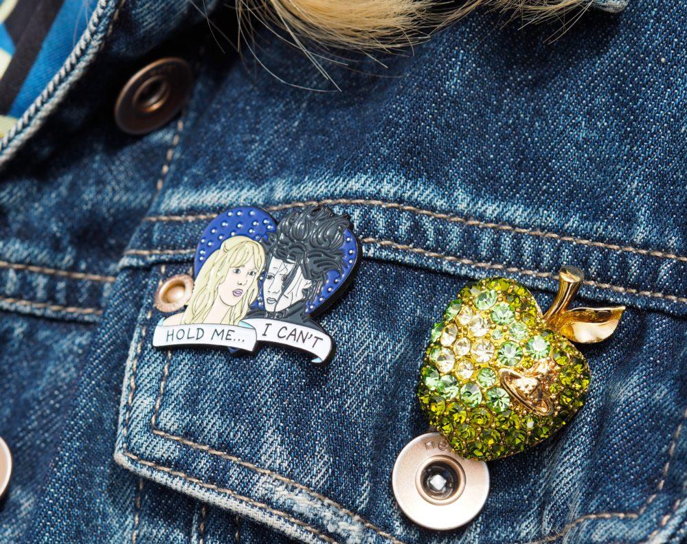 vivenne-westwood-apple-brooch-green-