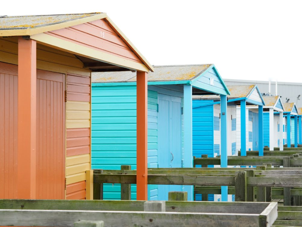 beach-huts-in-kent-seaside