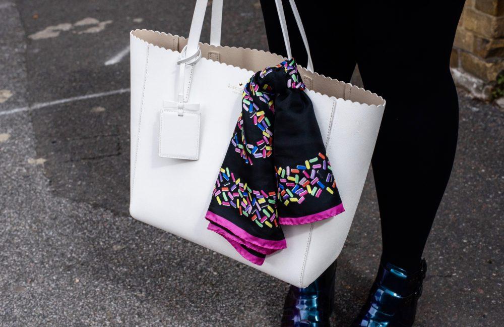 kate-spade-tote-bag-white-scalloped-edge-handbag