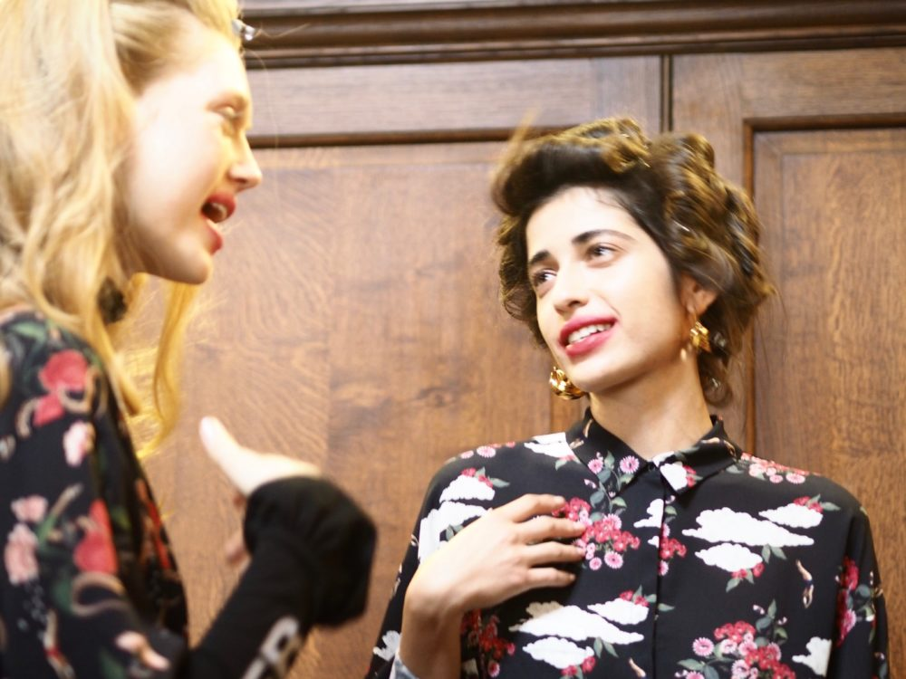 lavazza-x-mother-of-pearl-ss17-collection-models-chatting-backstage