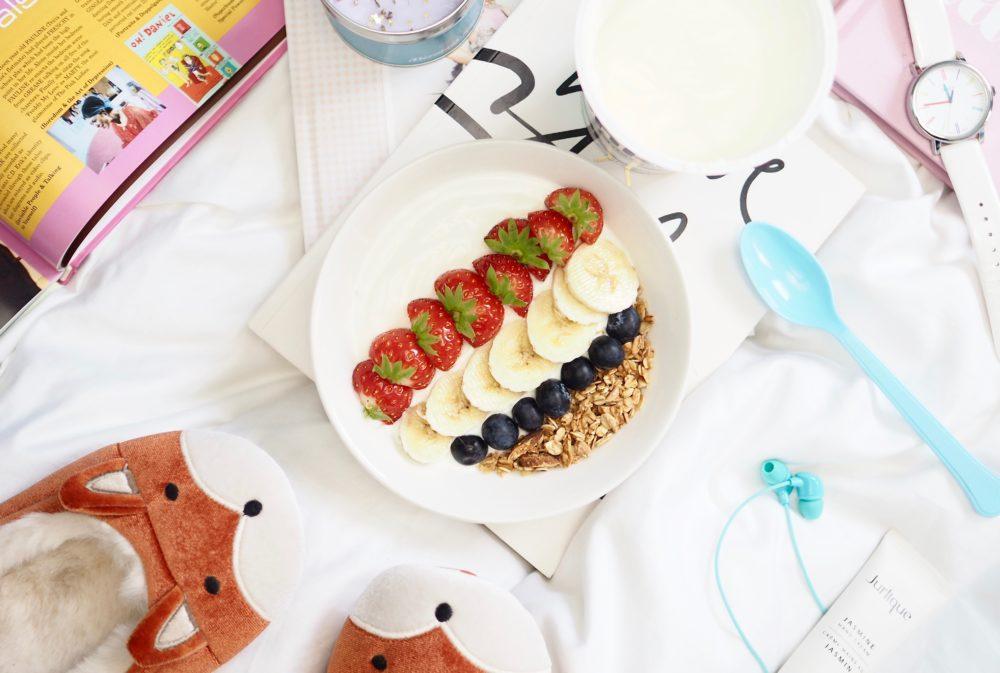 onken-yogurt-afternoon-break-flatlay-