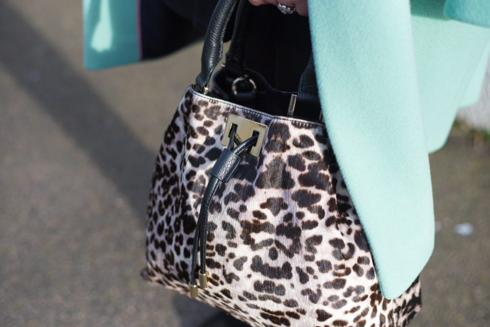 boden-clothing-tote-bag-snow-leopard-handbag