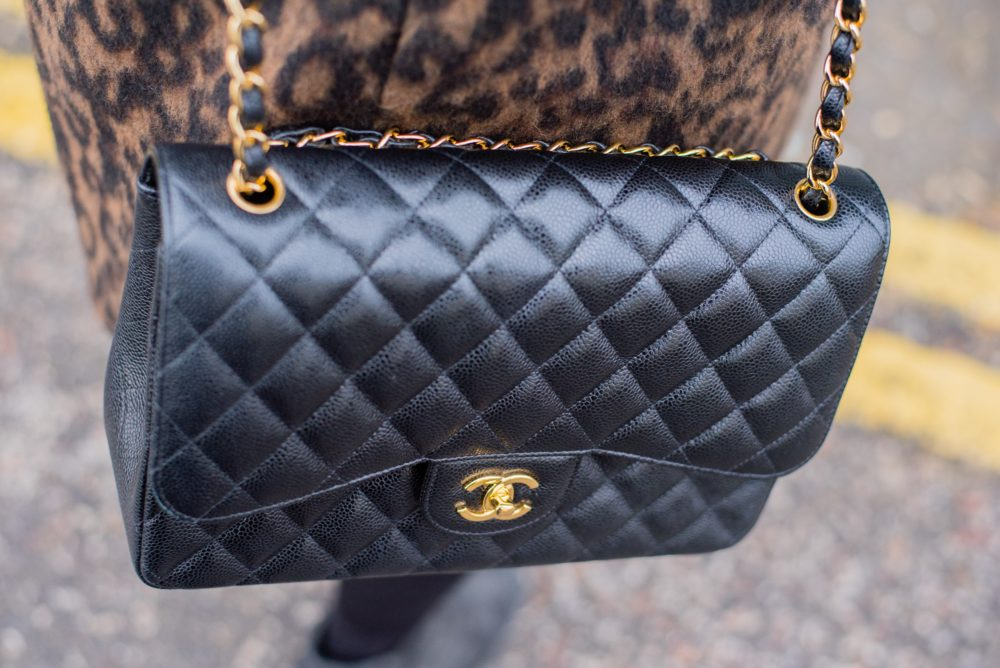 chanel black handbag carviar leather quilted